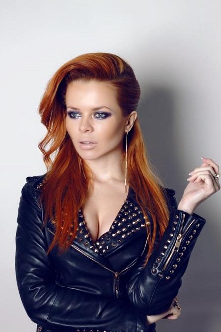 Модель или певица или актриса увлекается гимнастикой россия, аппетитная дама дрочит член фото