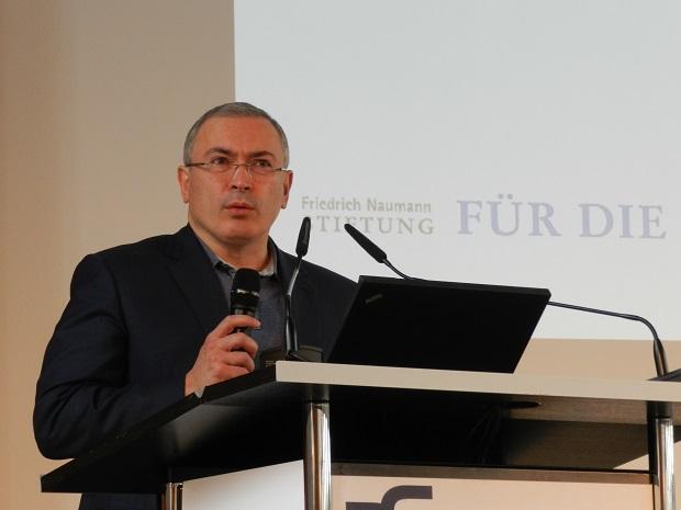 Михаил Ходорковский рассказал в Бонне о Путине и протестах в России