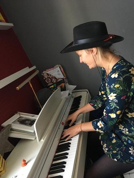 "Певица ""Rokso Lana"" спела песню ""Без Тебя"" на немецком"