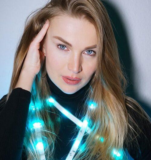 Звезда танцев Екатерина Калугина выступила как певица в шоу DSDS 2021