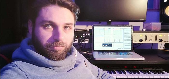 Уроки игры на гитаре и обучение написания электронной музыки в Берлине
