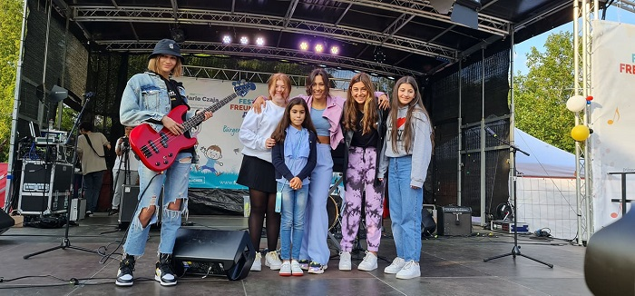 Сюзан Озелофф выступила на фестивале в Берлине в Марцане 5 сентября 2021