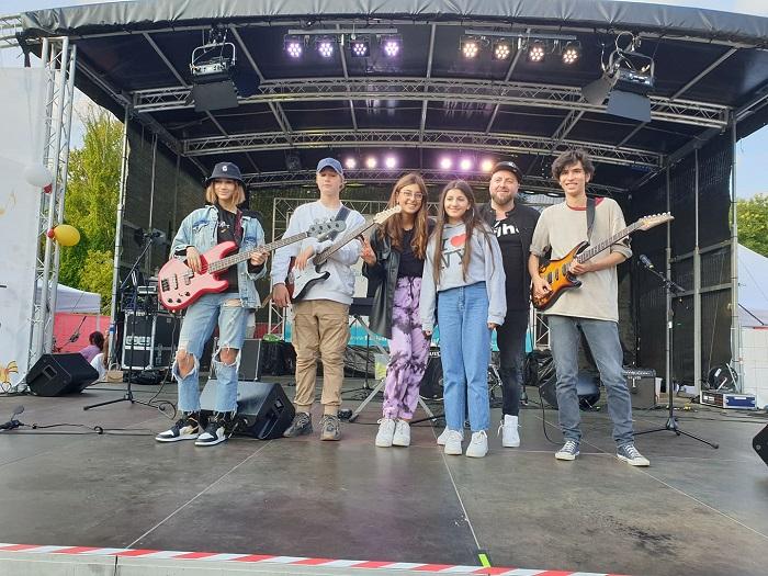 Певица Ребекка Рабаев выступила на фестивале в Берлине в Марцане 5 сентября 2021